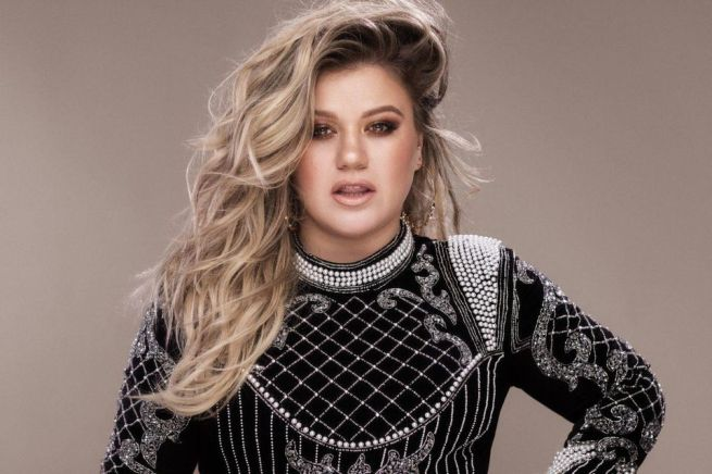 https___blogs-images.forbes.com_scottking_files_2019_02_Kelly-Clarkson-005-high-res-credit-Vincent-Peters-1200x800